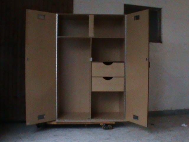 casier d 39 curies. Black Bedroom Furniture Sets. Home Design Ideas