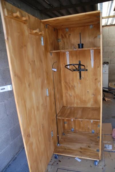 cr ation de ma sellerie finie p 5. Black Bedroom Furniture Sets. Home Design Ideas