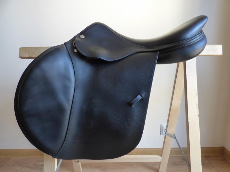selle equipe grand prix. Black Bedroom Furniture Sets. Home Design Ideas
