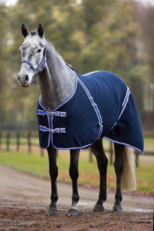 les diff rents types de couvertures pour chevaux. Black Bedroom Furniture Sets. Home Design Ideas
