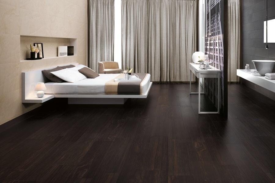 avis carrelage imitation parquet fonc. Black Bedroom Furniture Sets. Home Design Ideas